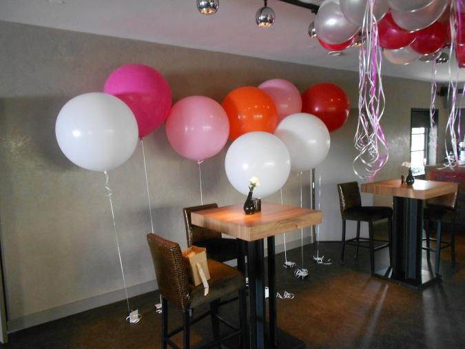Reuze ballon met gewichtje cloudbusters v a 17 50 for Ballonnen decoratie zelf maken